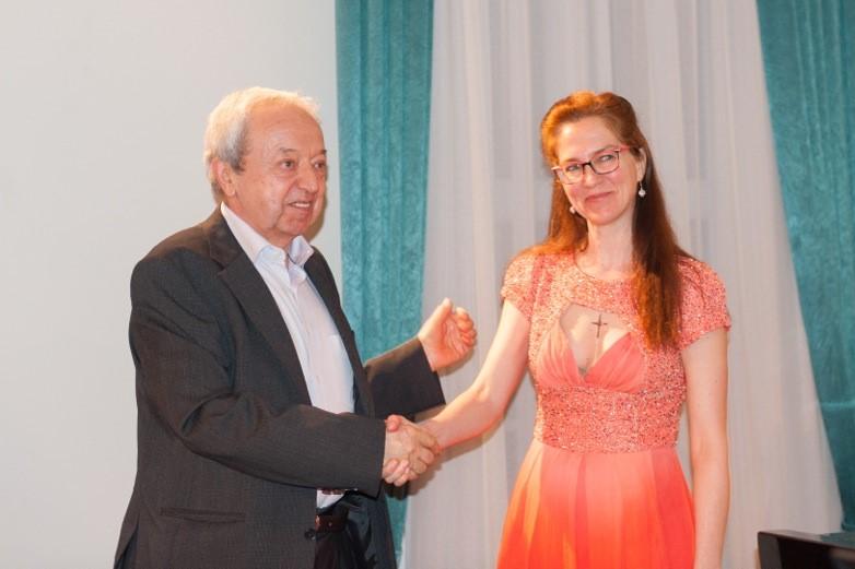 Skladatelj Jani Golob ob krstni izvedbi